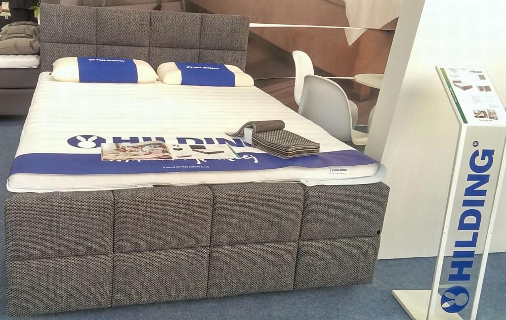 Łóżko kontynentalne z panelem przednim