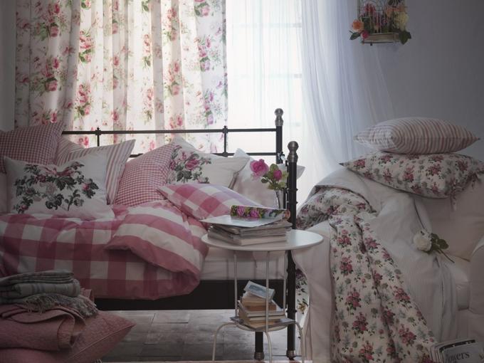 Aranżacja sypialni na wiosnę - jak urządzić sypialnię ? Upięcie zasłon