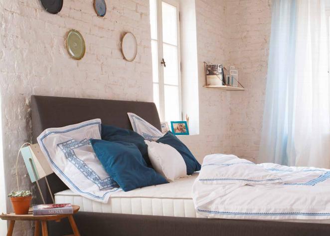 sypialnia w stylu minimalistycznym