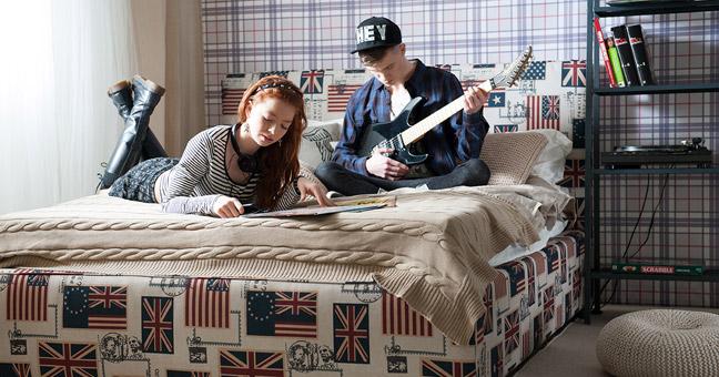jaki materac wybrać, jakie łóżko wbrać, łóżko tapicerowane Hilding Iris