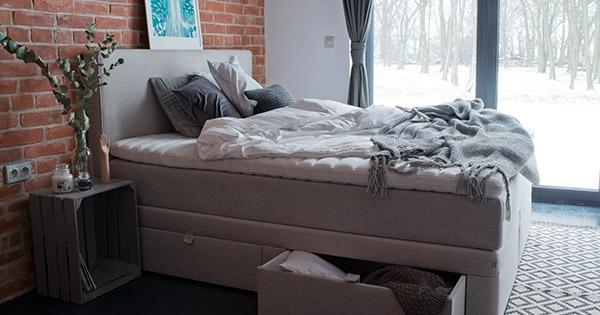 pierwsze łóżko